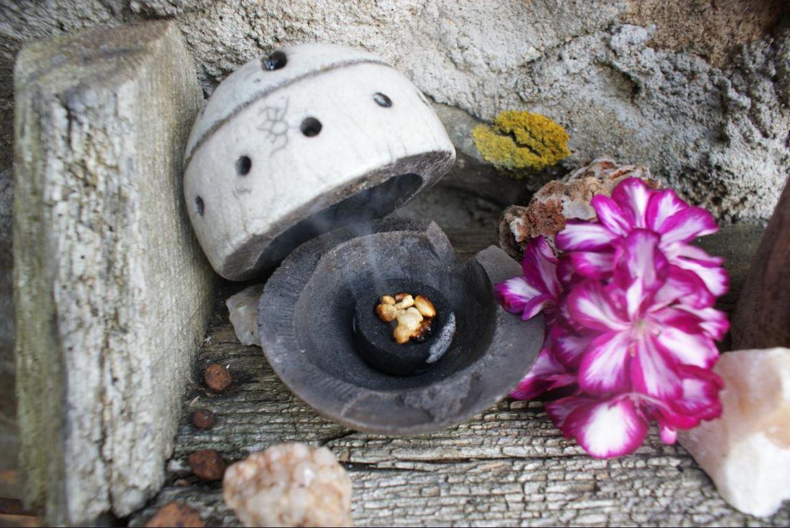 Brule encens boule raku 2