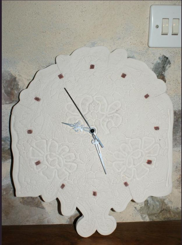 Horloge dentelle ancienne